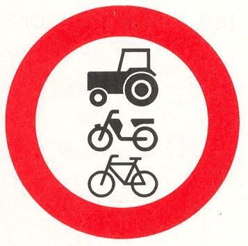 Gesloten voor ruiters, vee, wagens, motorvoertuigen die niet sneller kunnen of mogen rijden dan 25 km/h en brommobielen alsmede fietsen, bromfietsen en gehandicaptenvoertuigen
